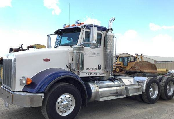 2007 Peterbilt 378 T/A Day Cab Truck Tractor