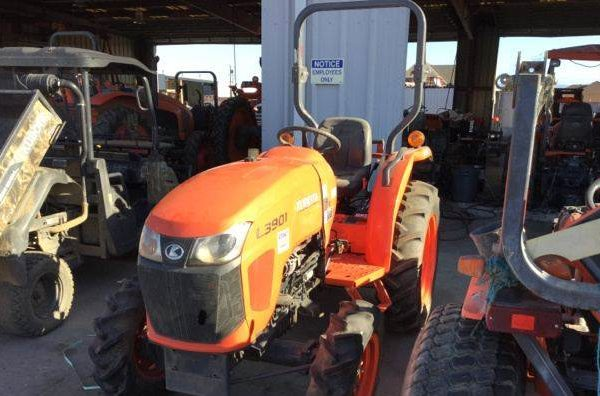 Kubota L3901D 4WD Tractor