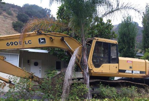 John Deere 690E LC Track Excavator